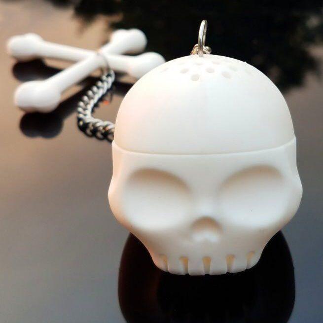 Skull-Tea-Infuser-Gothic-Kitchen-Decor