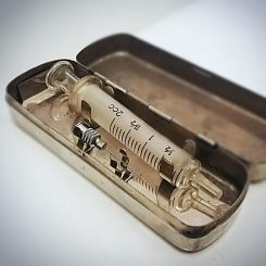 Vintage-Medical-Syringe-Case