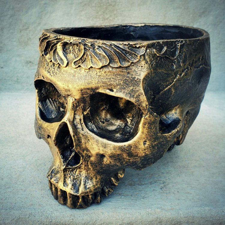 Skull Planter, Skull Flower Pot. Gothic Garden