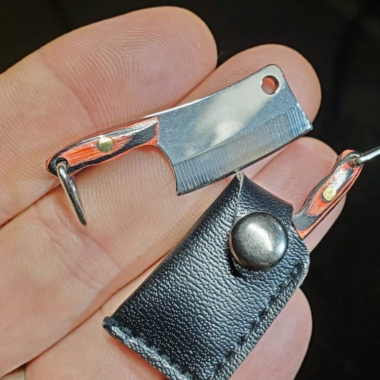 mini knife, tiny knife, oddities, curiosities